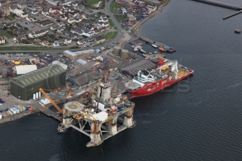 aerial photography scotland oil rig